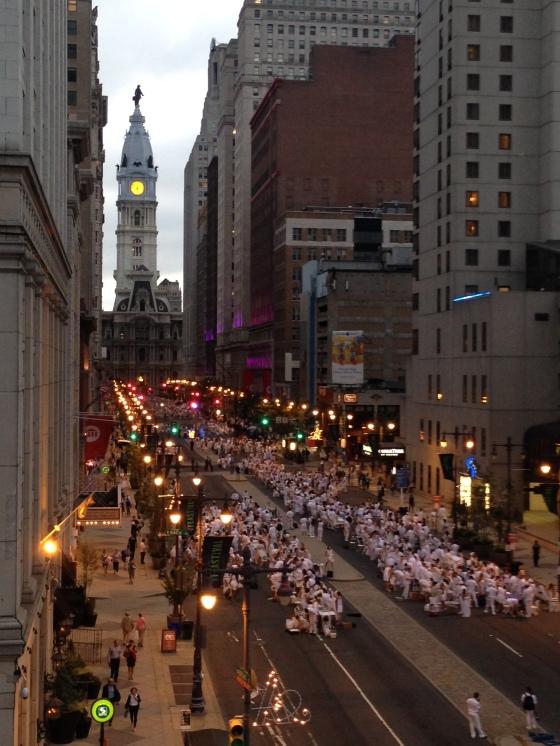 Diner en Blanc, Diner en Blanc Philadelphia, White, Fashion, Visit Philly, Pop-up Picnic (2)