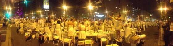 Diner en Blanc, Diner en Blanc Philadelphia, White, Fashion, Visit Philly, Pop-up Picnic (3)
