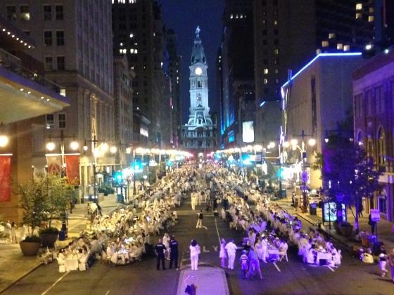 Diner en Blanc, Diner en Blanc Philadelphia, White, Fashion, Visit Philly, Pop-up Picnic (4)
